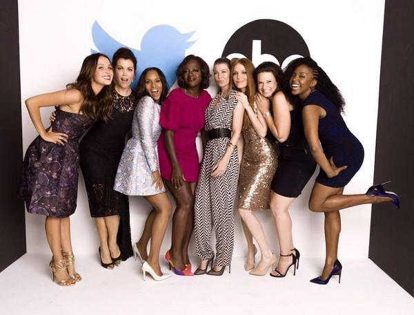 Bon d'accord, ce n'est pas une photo promo mais toutes les filles de Shonda Rhimes au même endroit, ça vaut le coup d'oeil ! - © ABC