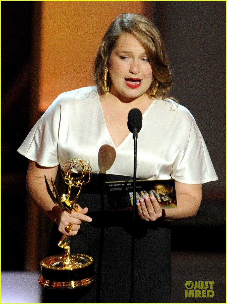 Merritt Wever (Nurse Jackie) ou le speech de remerciement le plus court de l'histoire des Emmys ! Fabuleux