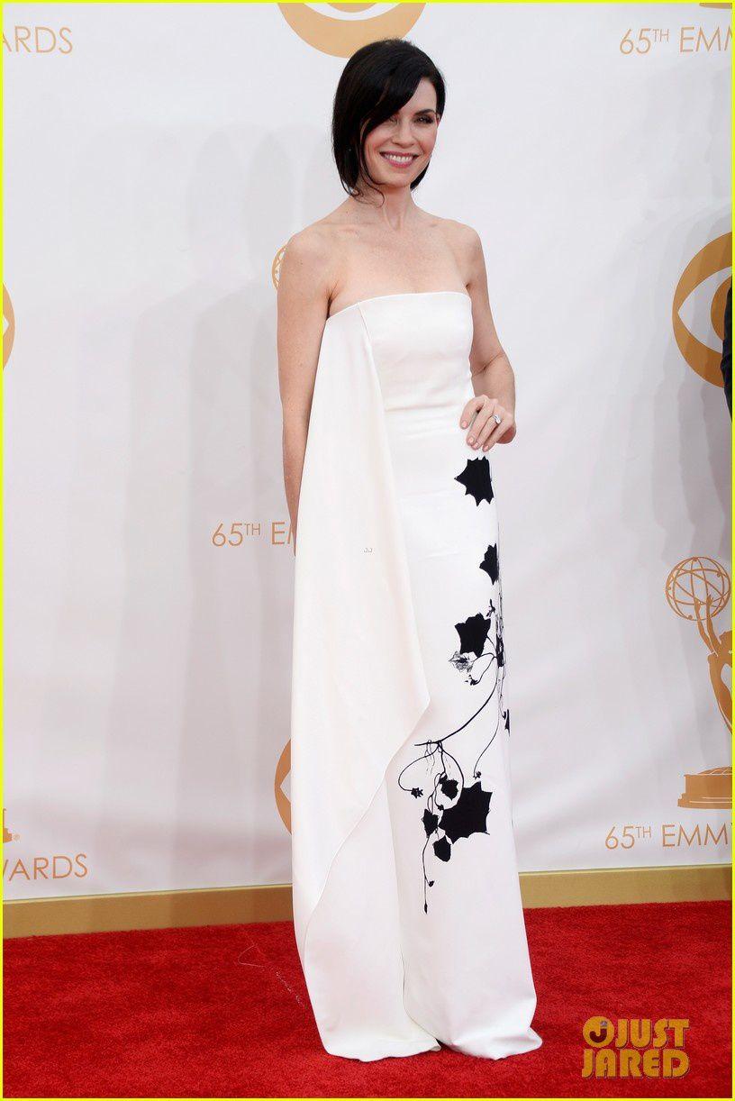 Superbe Julianna Margulies, la robe la plus originale et simple de la soirée