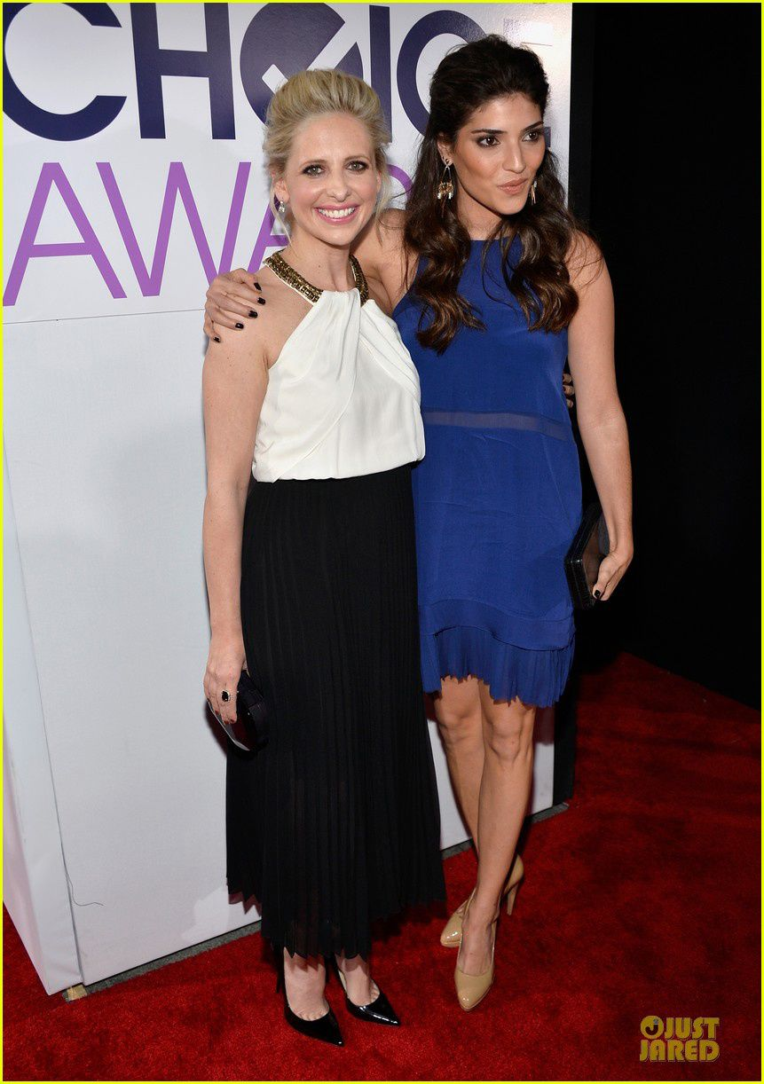 Sarah Michelle Gellar et sa co-star Amanda Setton dans The Crazy Ones - © Getty/Just Jared
