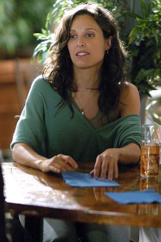 """Dana Fairbanks (Erin Daniels) aura commencé l'aventure """"The L Word"""" avec ses copines, laquelle s'arrêtera brutalement à cause d'un cancer du sein. Un décès d'autant plus étonnant que Dana était la sportive du clan, une tenniswoman au grand coeur, maladroite, drôle, peu sûre d'elle. La mort de ce personnage aussi intégré que les autres dans cette série chorale reste un choc à la fois pour ce qu'elle représente et pour l'impact qu'elle aura notamment sur Alice, sa meilleure amie - © Showtime"""