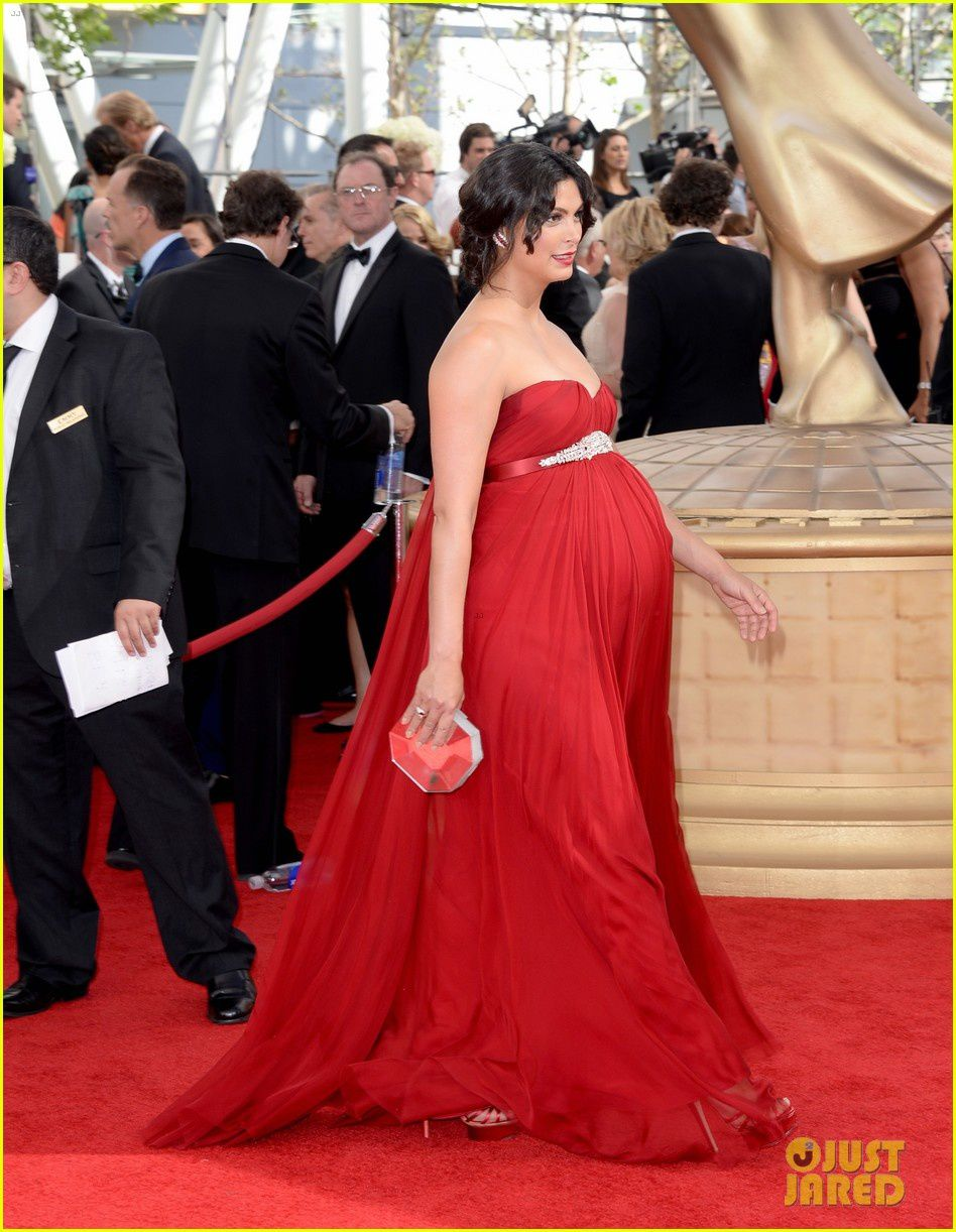 Alerte, alerte, femme très enceinte sur le tapis rouge, Morena Baccarin (Homeland)