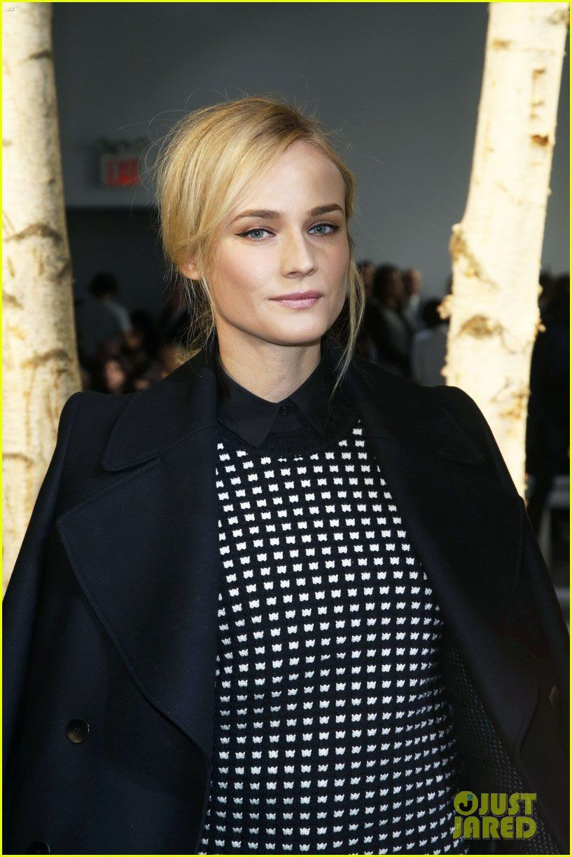 Diane Kruger (The Bridge) cache sa joie - © Just Jared/Getty