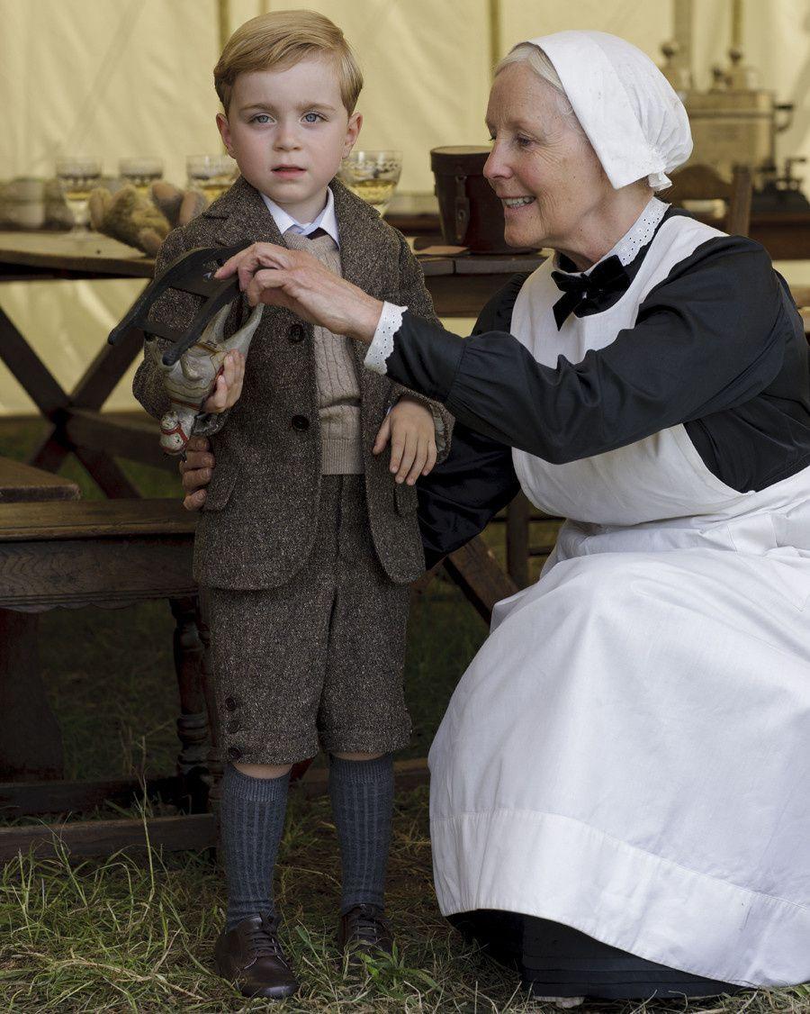 Le petit Georges, fils de Mary et Matthew est joué par des jumeaux - © ITV